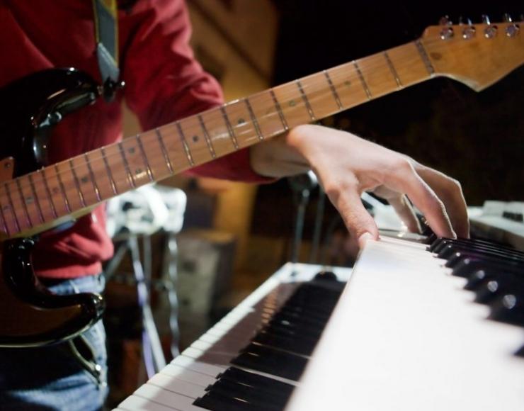 Klavierunterricht FMM Music Media School
